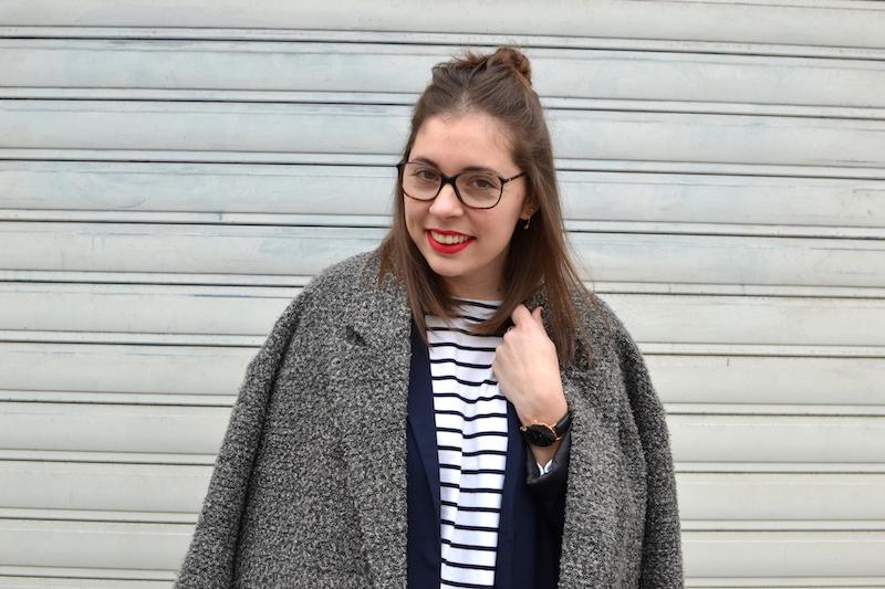 manteau gris chiné H&M, mariniére, blazer bleu marine