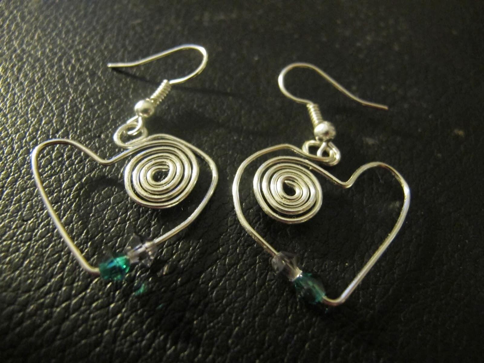 Naomi's Designs: Handmade Wire Jewelry: New Funky Wire ...