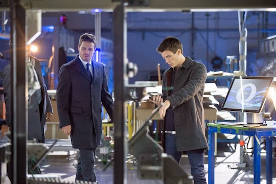 Grant Gustin en Arrow 2x08