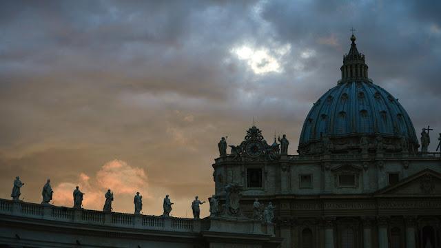 """El Vaticano renuncia a su segunda fuente de ingresos principal porque """"mata"""""""