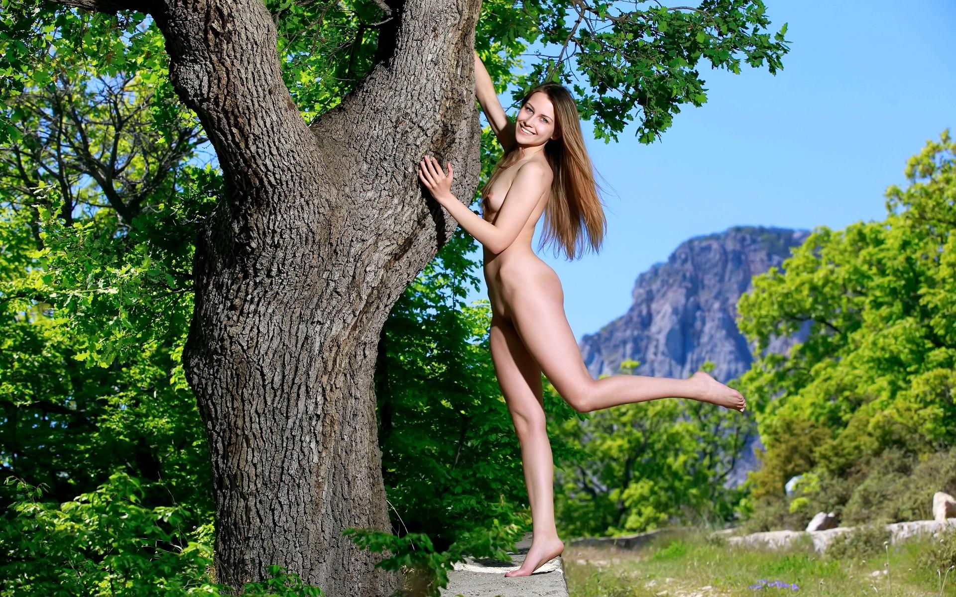 красивые голые девушки на природе