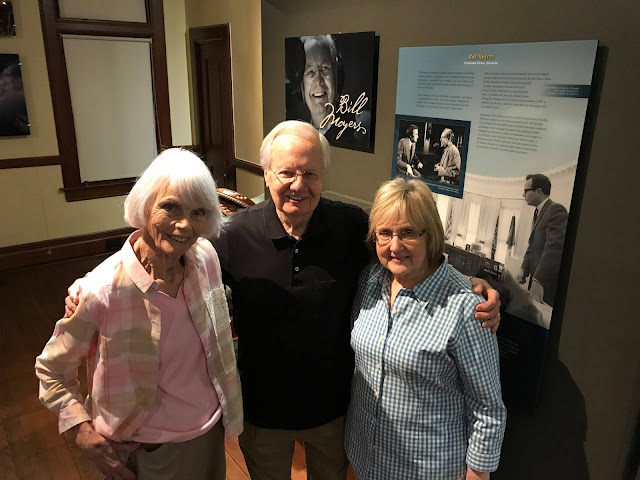 Famed newsman and Marshallite Bill Moyers visits hometown to see restored Harrison County Historical Musuem
