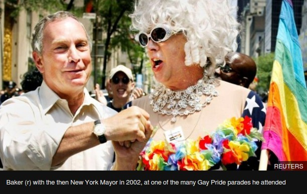 Baker,(r) with the then New York mayor in 2002, at one of teh many Gay Pride parades he attended