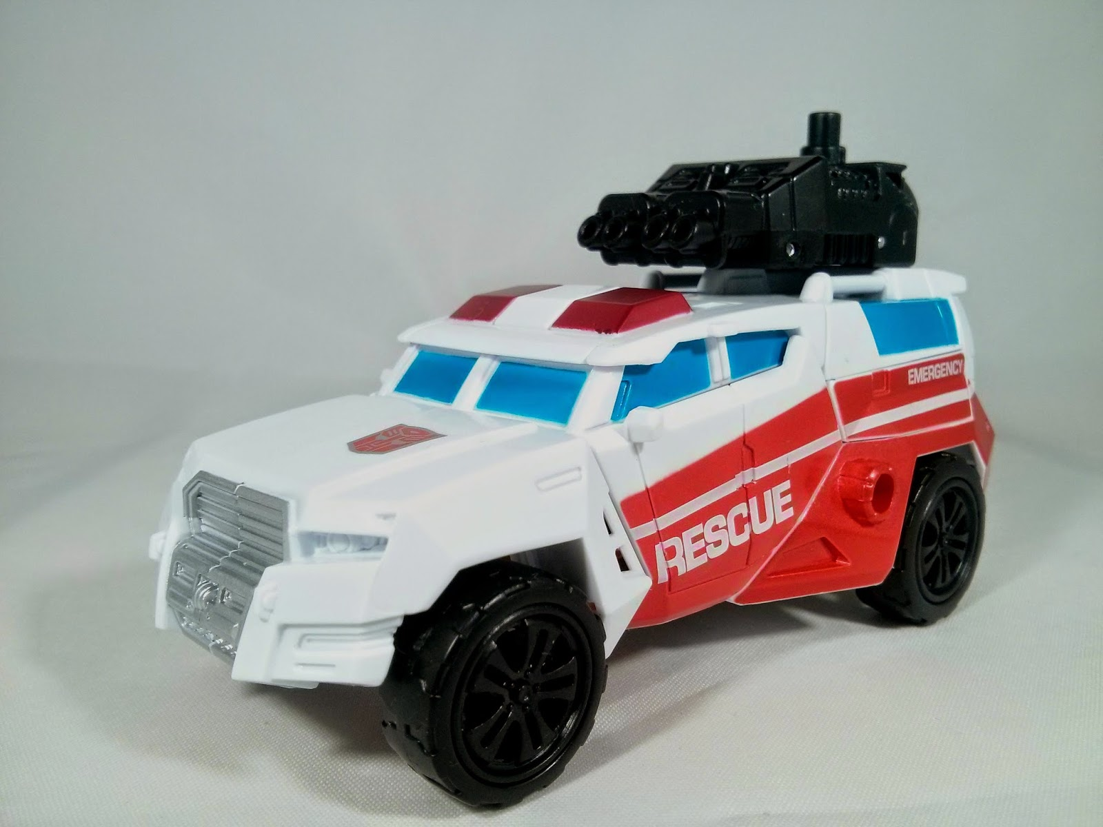 Combiner Wars First Aid ambulance mode