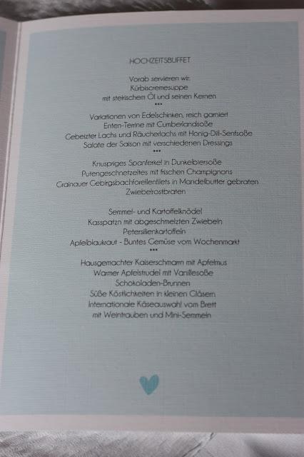 Hochzeitsbuffet, Hochzeit in Bayern, edel-bayerisch, Himmelblau und Edelweiss, heiraten in Garmisch-Partenkirchen, Hochzeitslocation Riessersee Hotel, wedding destination abroad, Germany, Bavaria, blue and white
