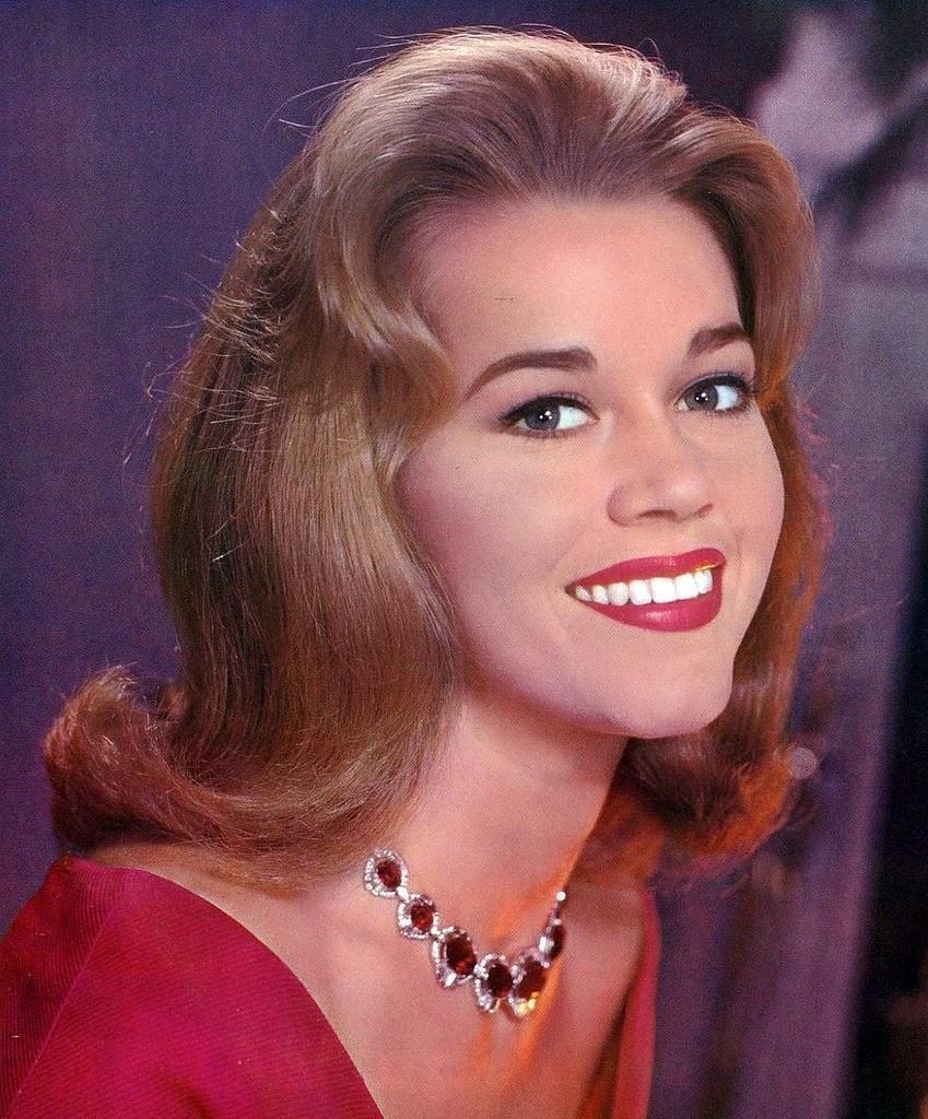22 Beautiful Portraits Of Jane Fonda In The 1960s