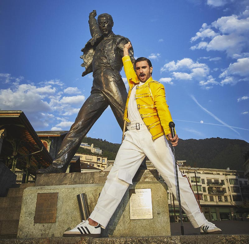 Ranveer Singh with statue of Freddie Mercury