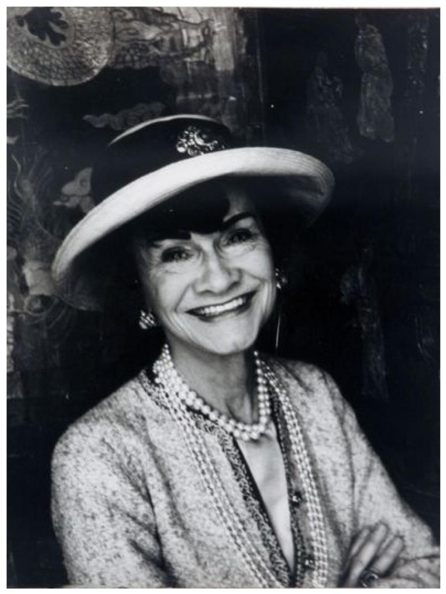 Coco Chanel 告訴你 女人最理想的衣櫥應該有6大元素: WHAT EVERY WOMAN NEEDS: CELEBRATION OF A MILESTONE: HAPPY