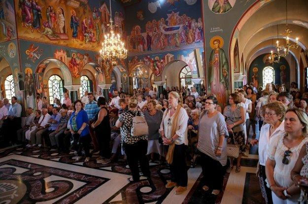 Οι Έλληνες τέταρτος πιο θρησκευόμενος λαός στην Ευρώπη