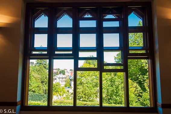 Ventanas musicales del Capricho de Gaudí. Comillas