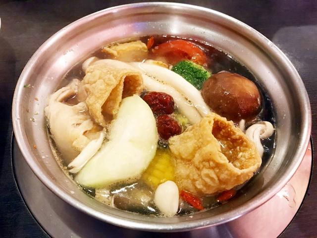 錢都日式涮涮鍋-新莊旗艦店素食清香鍋