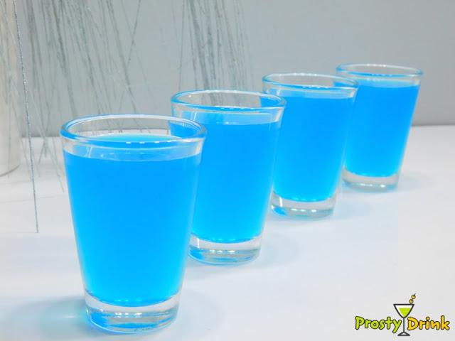 Blue kamikaze Niebieskie kamikadze Blue Curacao jak przygotować składniki  szejker szot szoty na dyskotece shaker  kamikadze przepis kamikadze co to kamikaze shot blue curacao likier blue curacao kamikadze cena kamikaze film kamikaze drink czerwony