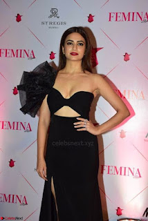Kriti Sanon at Femina Beauty Awards 2017 004.jpg