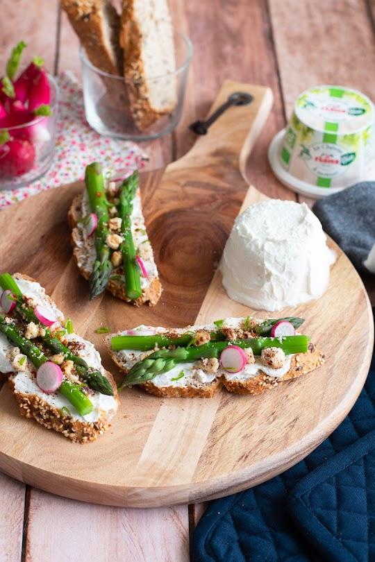 recette Tartines chèvre asperges