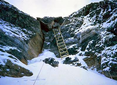 Everest: Escalera china en último tramo del Segundo Escalón