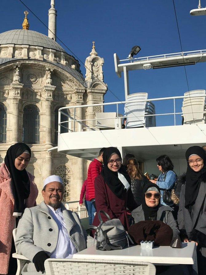 Habib Rizieq Liburan Ke Turki, Polisi: Itu Hak Mereka, Masa Kita Larang