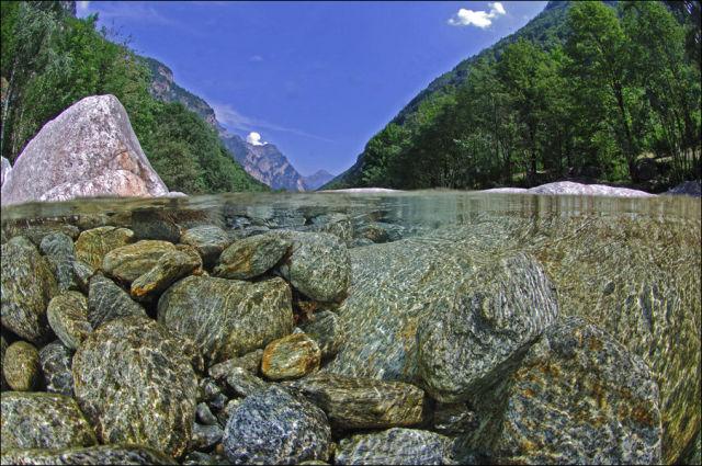 Sungai+Terjernih+Di+Dunia+(7).jpg