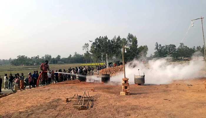 গাইবান্ধায় অভিযানে বন্ধ হওয়া ইটভাটা গুলো আবারো চালু