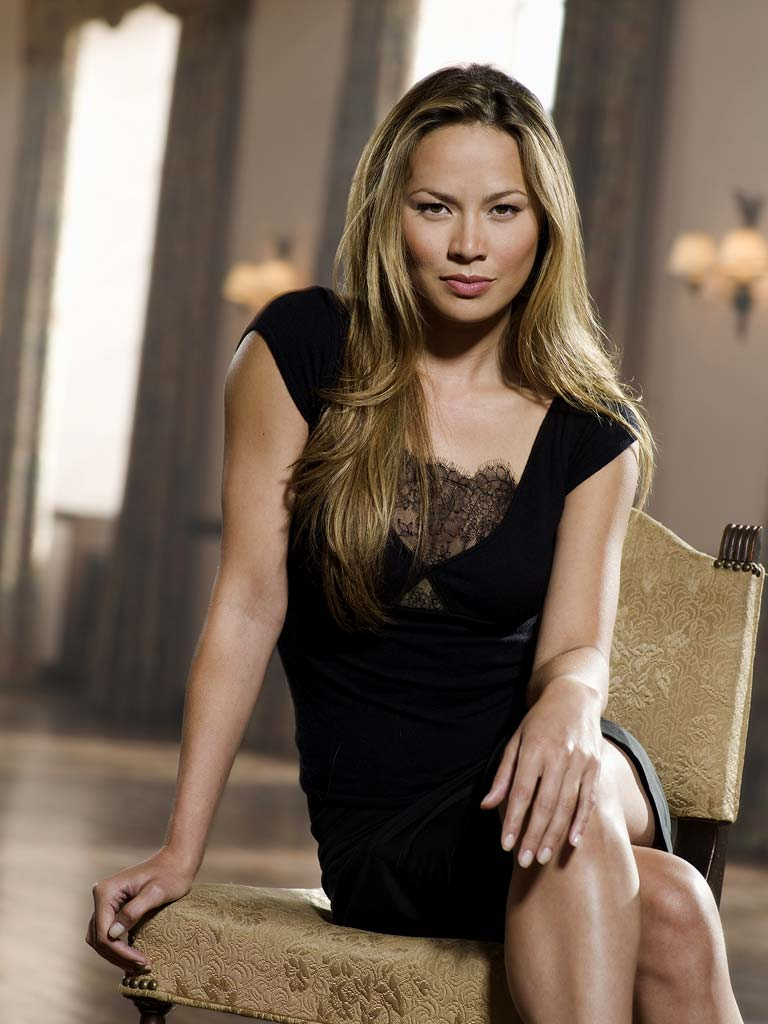 Wallpaper Falling Skies Moon Bloodgood Photos Tv Series Posters And Cast