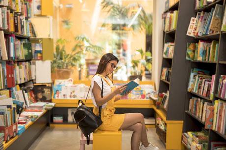 Tak salah memang jika buku disebut sebagai jendela dunia karena dengan membaca buku kita b 9 Rekomendasi Toko Buku Online Terlengkap dan Terpercaya