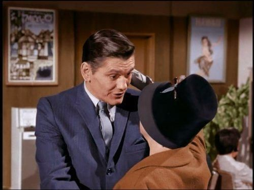 Bewitched - Season 1 Episode 14: Samantha Meets the Folks