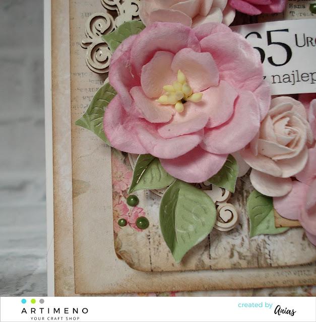 papierowe kwiaty magnolii