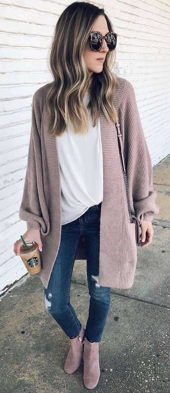 trendy outfit idea / knir cardigan + white top + bag + rips + boots