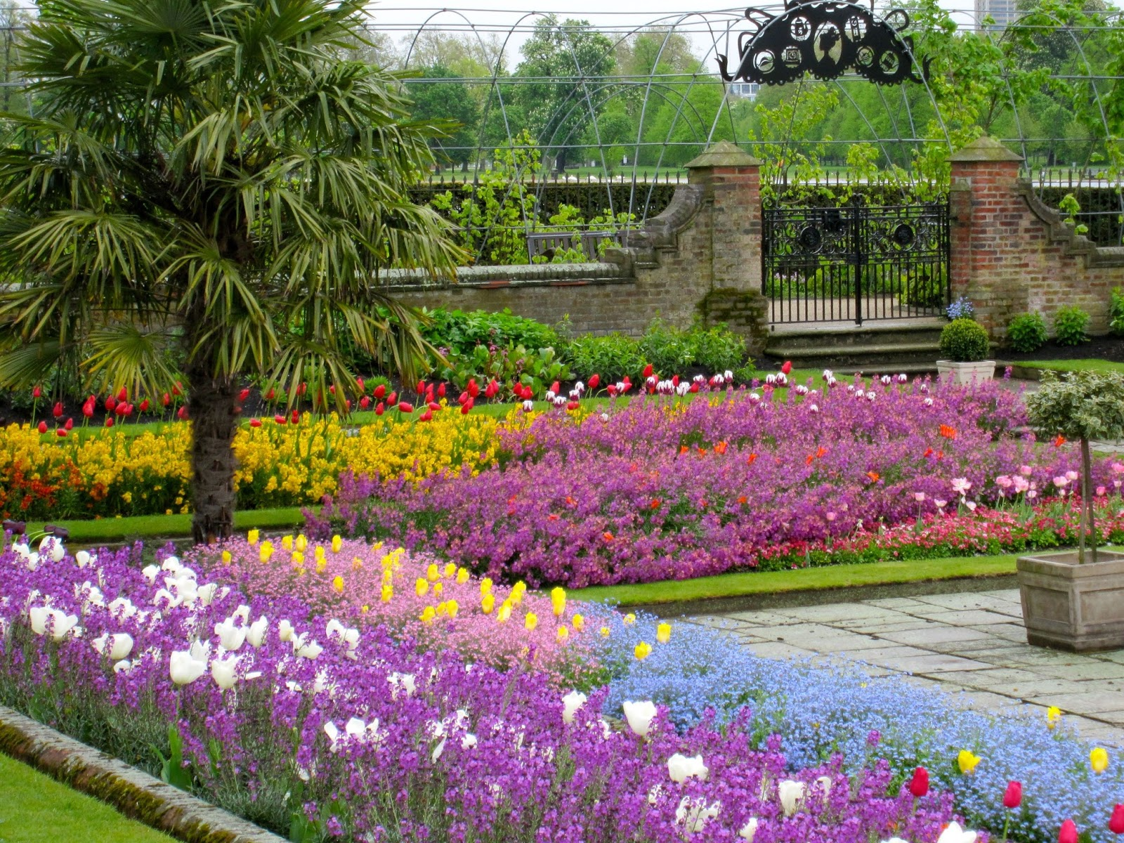 Destination fiction the flowers of spring sunken garden at kensington palace london mightylinksfo