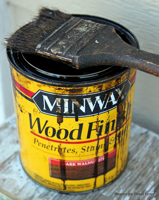 use minwax stain to create an awesome weathered paint finish