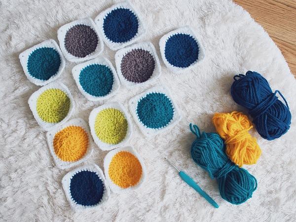 編みかけのサークルモチーフたち
