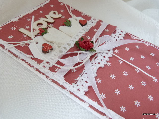 detale kartki- róża, wstążki, sznurek, koronka, serca