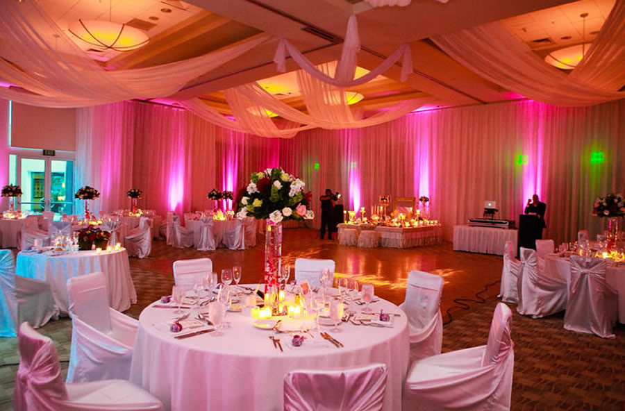 Elegant design for wedding party indoors and outdoors for Hotel wedding decor
