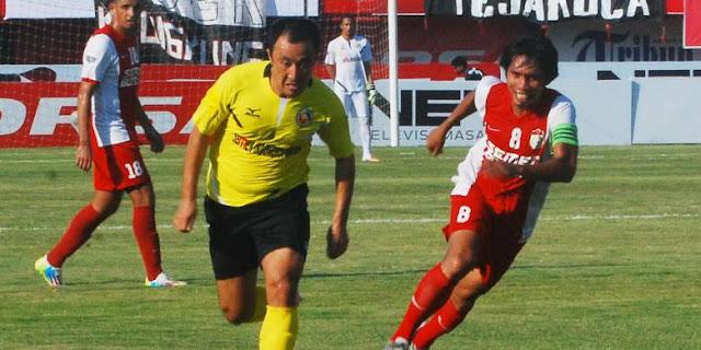 Semen Padang vs PSM Makasar
