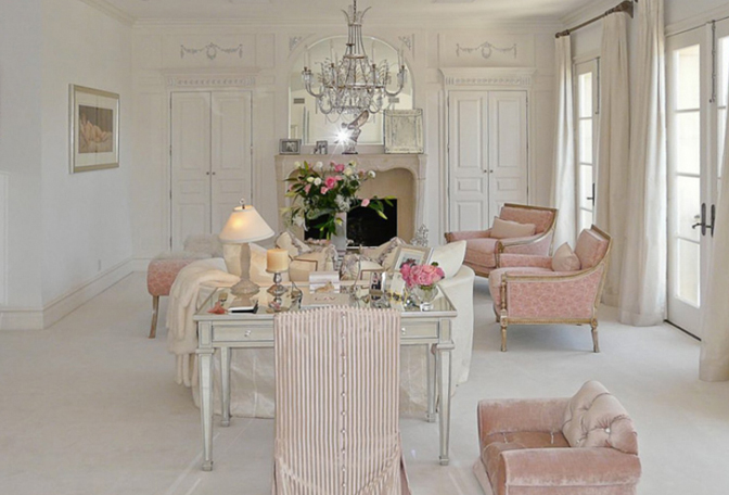 Yup I M Doing Another Post On Vanderpump But Take A Look Again At Her Bedroom