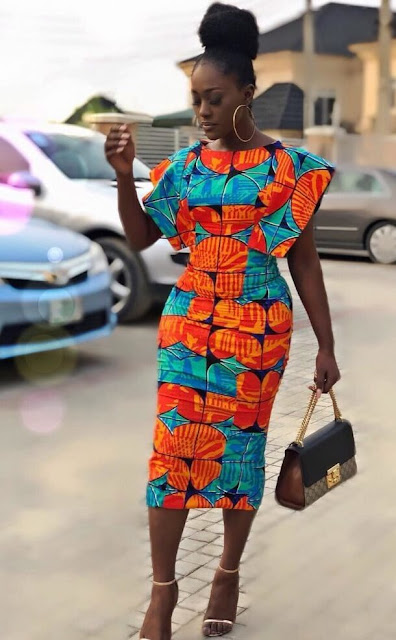 Nothing looks better than an elegant African inspired outfit ✘ 31 Latest Native Aso Ebi Styles Attires For Women To Rock In 2020