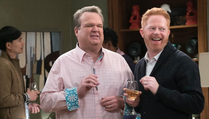 Modern Family - Episode 9.14 - Spanks for the Memories - Promotional Photos + Press Release
