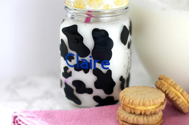Mason Jar Cow Glass tutorial, vinyl cow cup tutorial