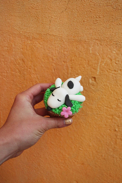 snoopy cupcake inspiration pinterest