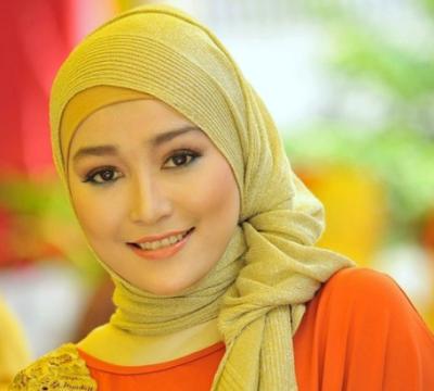 dan langsing merupakan idaman bagi semua cewek Ada Yang Dari Indonesia, 7 Wanita Muslimah Tercantik di Dunia Ini Bikin Pangling