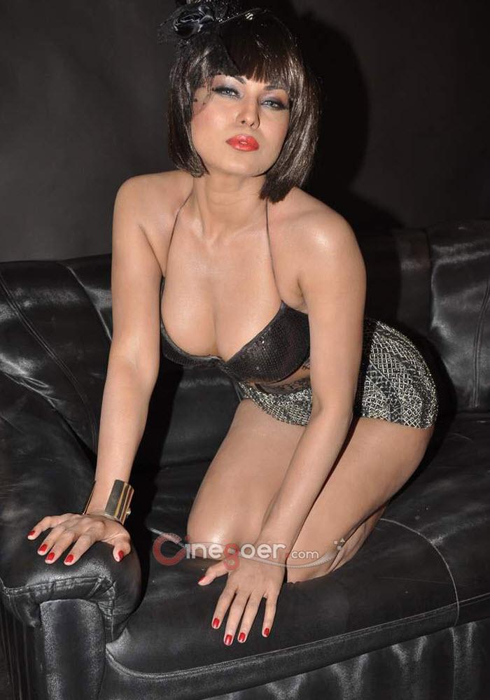 Veena Malik Spicy Photo Shoot, Veena Malik New Photo Shoot-8200