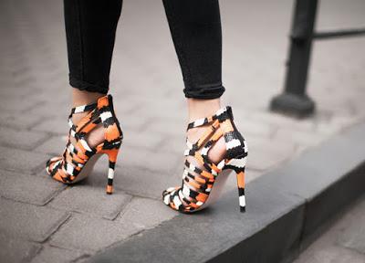 Model sepatu high heel cantik Terbaru