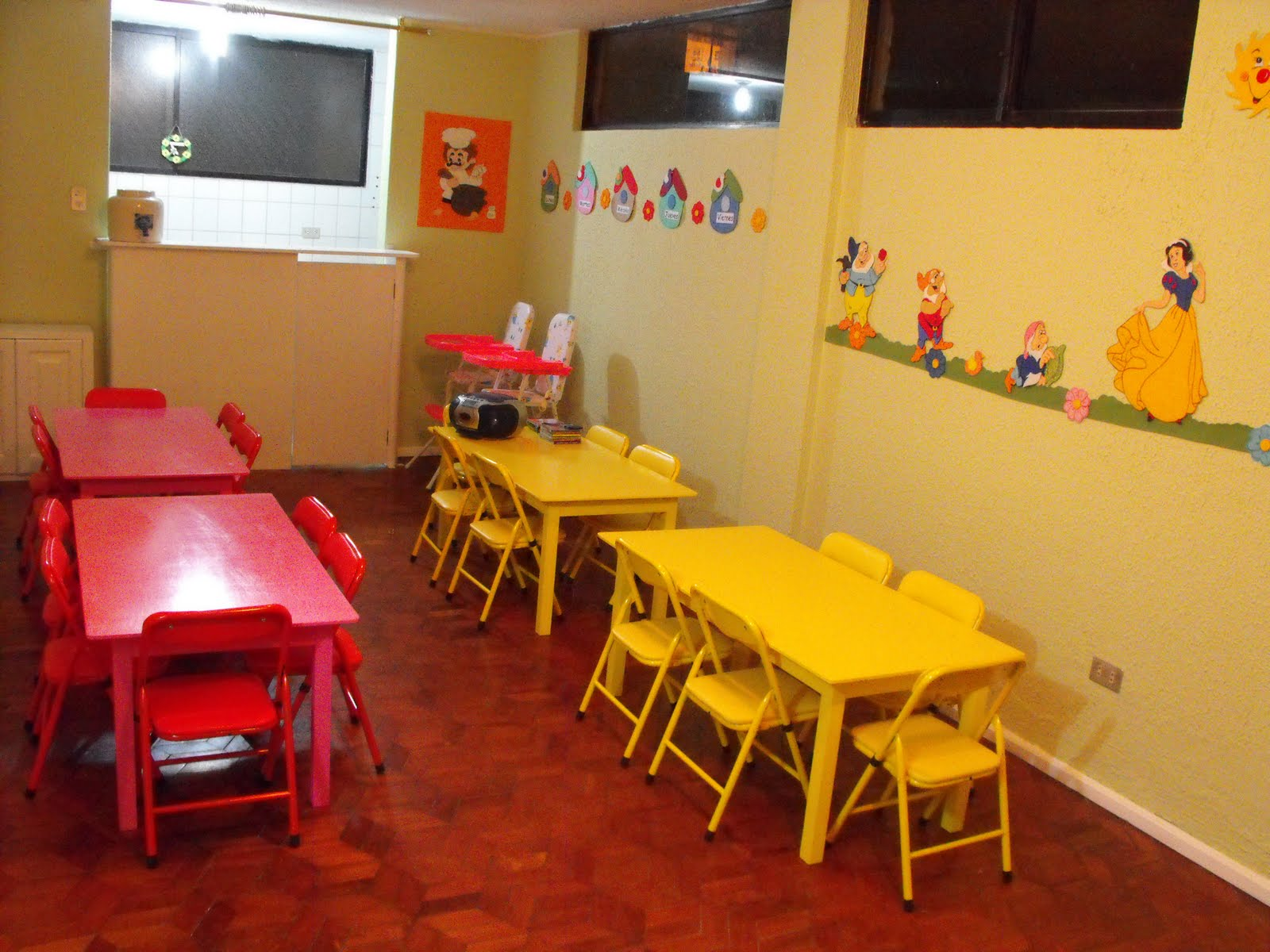 Centro De Educaci N Inicial Small Ville Educaci N Inicial Con  # Muebles Educativos