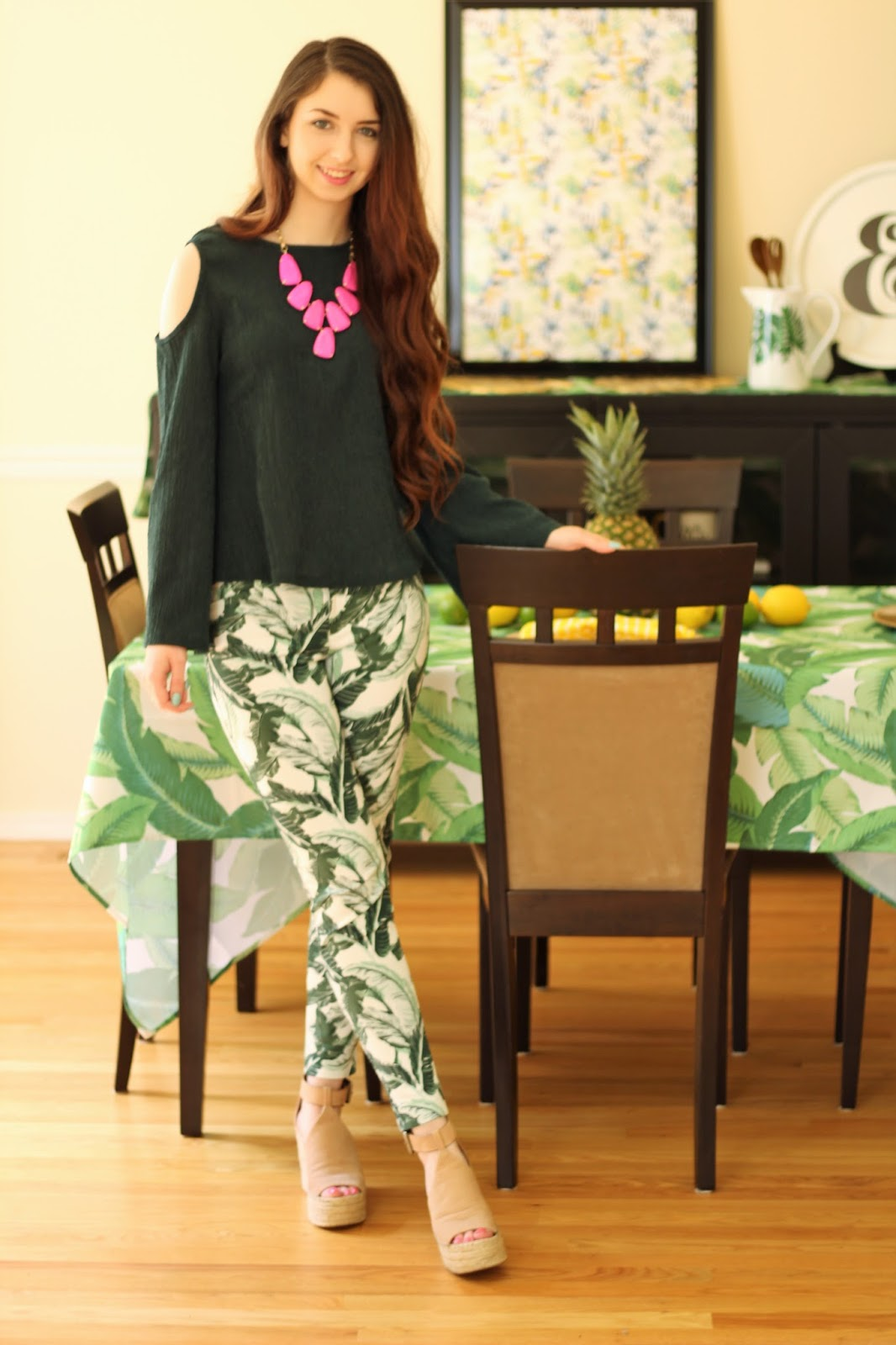 palm leaf outfit idea