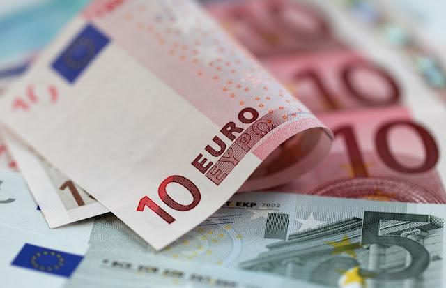 Dinheiro vivo e euro em espécie para Florença