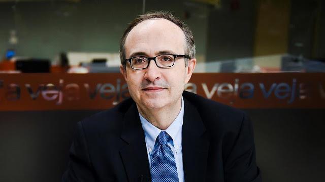 Na transcrição do grampo, o Reinaldo Azevedo deixa claro que usaria seu espaço na revista Veja pra combater denuncias contra o PSDB
