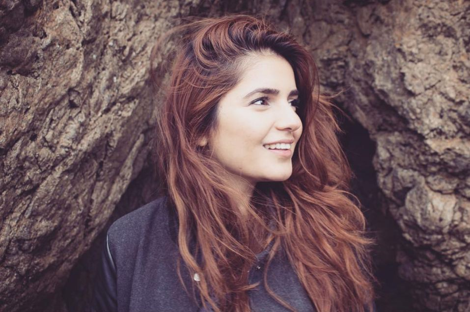 momina mustehsan hd wallpapers