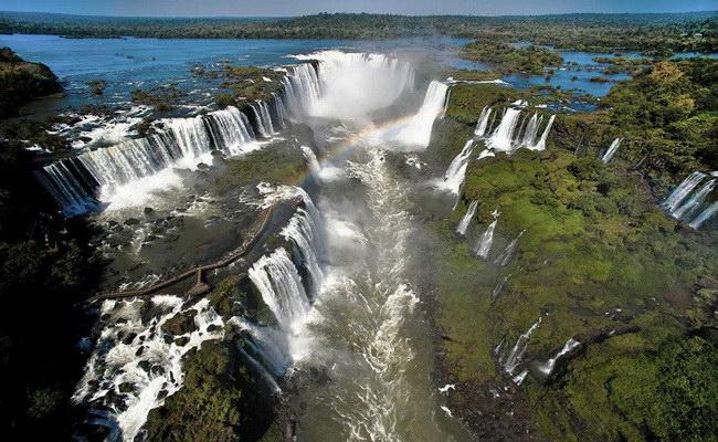 Xvlor.com Iguazu Falls or Iguazú Falls or Iguaçu Falls
