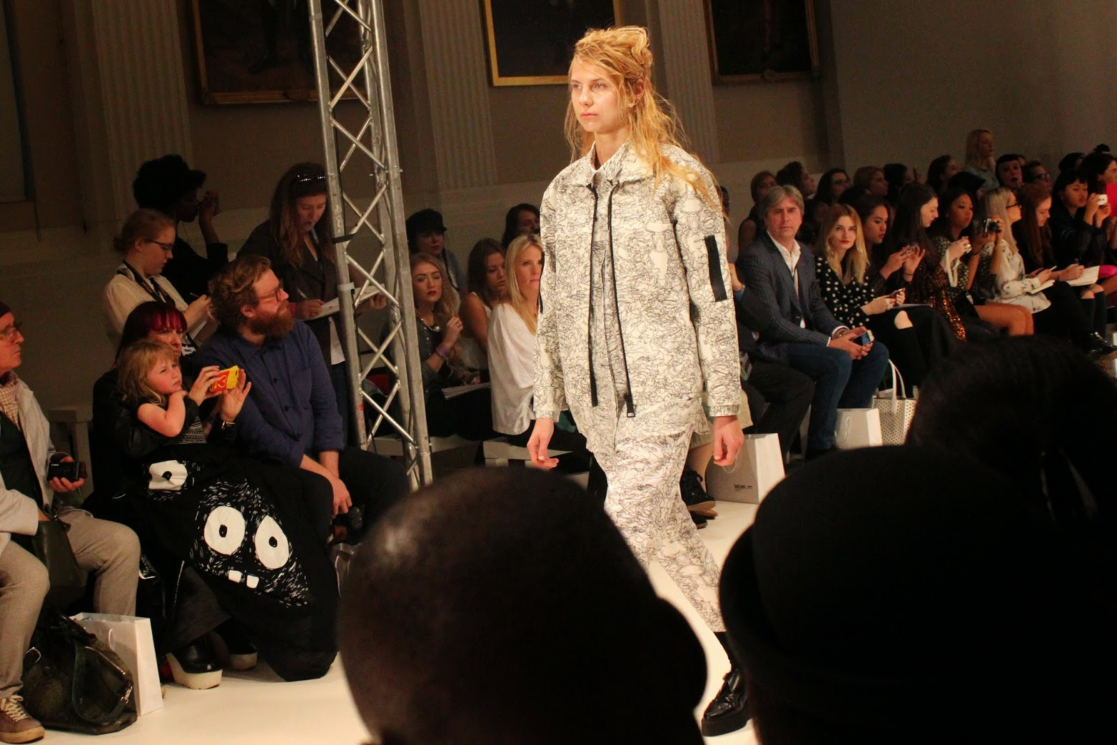 london-fashion-week-2014-lfw-spring-summer-2015-blogger-fashion-Dioralop-catwalk-models-freemasons hall-fashion-scout-jacket-shirt-trousers-shoes