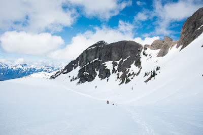 The small gendarme on the right, where we ascended to the upper ridge, on our way to Alexandra Peak