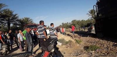 صور/ قبل الافطار بقليل.. وفاة شخصين في حادث تصادم قطار لنقل الفسفاط وسيارة خفيفة